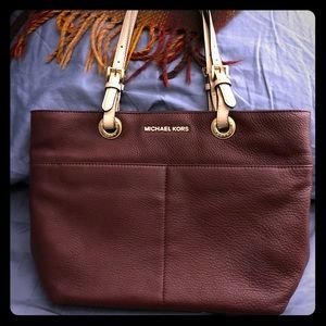 MICHAEL KORS Cranberry Leather Zip Top Tote!